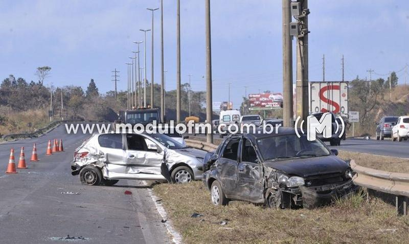 Trânsito: Minas Gerais teve mais de 122 mil acidentes...