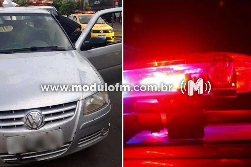 Casal é preso por mandado de prisão e carro roubado