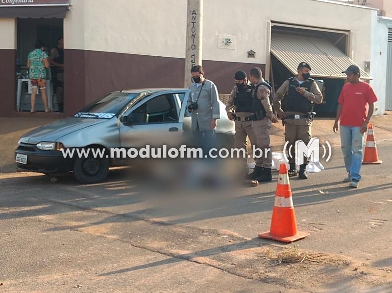 Patos de Minas: Jovem é morto a tiros dentro de carro com placas de Patrocínio