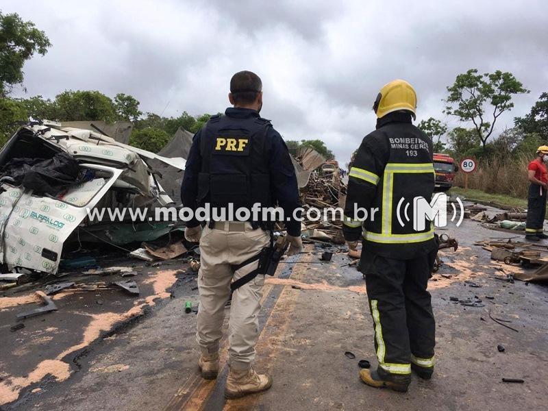Veja o vídeo: Tragédia na BR 040, em Paracatu, tira a vida de 2 homens e 1 mulher