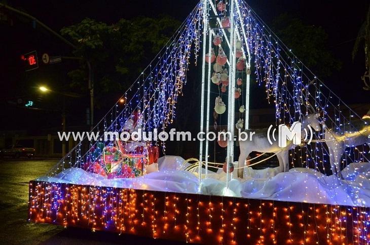 Carreata do Papai Noel começa hoje (11) e percorrerá bairros de Patrocínio