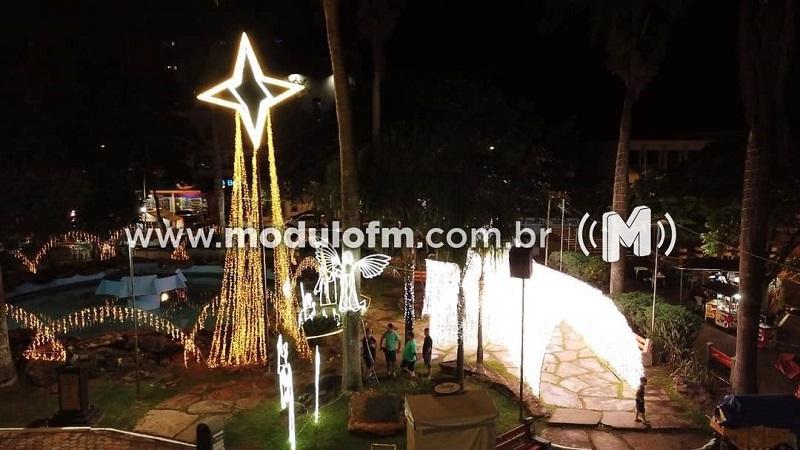 Prefeitura inaugura iluminação de Natal em Patrocínio
