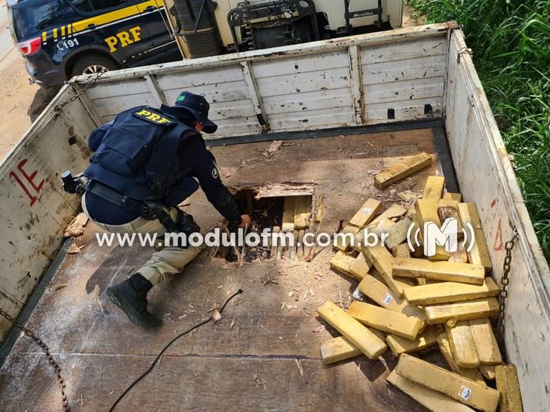Veja o vídeo: PRF encontra mais 500 kg de maconha em compartimento secreto de caminhão na BR-365