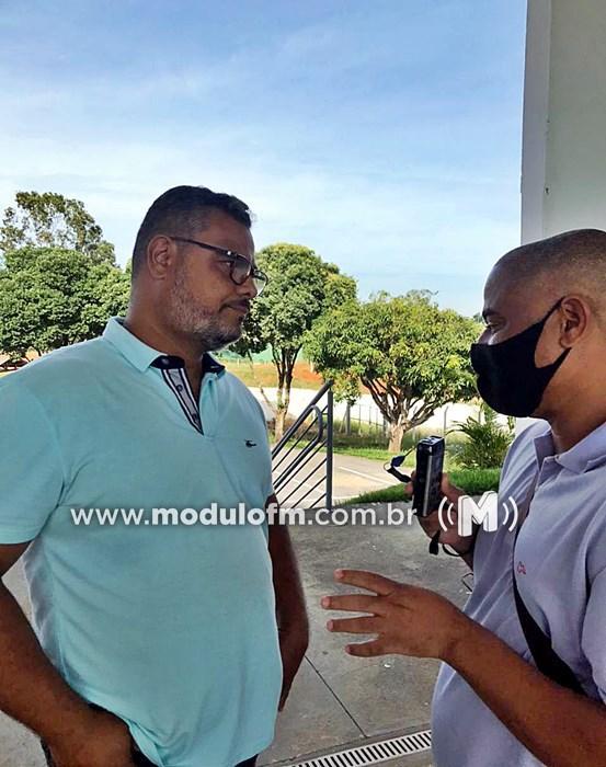 Representante da Federação Mineira esteve na cidade para vistoriar estádio Pedro Alves