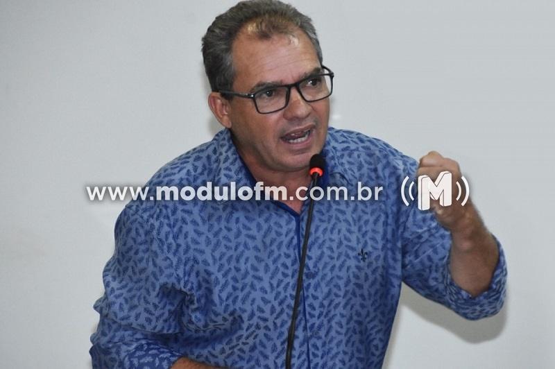 Roberto Margari toma posse como vereador na Câmara Municipal...
