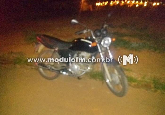 Menores infratores são apreendidos por furto de motocicleta