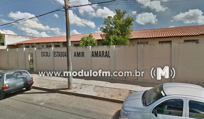 Escola Estadual Amir Amaral divulga vagas para professores
