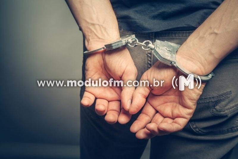 Jovem de 19 anos é preso com droga escondida na cueca no bairro Enéas