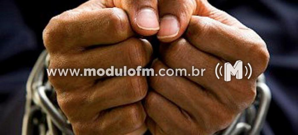 PM prende homem acusado de roubo em Monte Carmelo