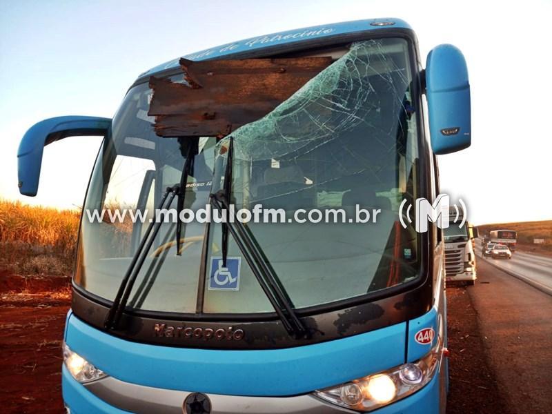 Acidente envolvendo ônibus com pacientes de câncer de Patrocínio...