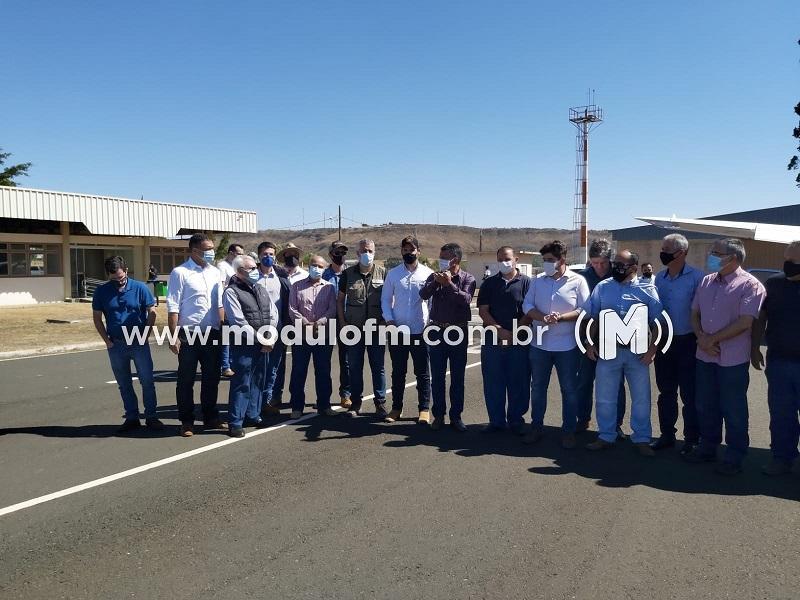 Comitiva de parlamentares visita Patrocínio para avaliar danos causados pelas geadas na agricultura