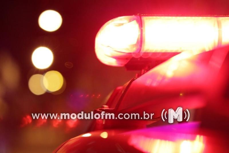 Moto furtada é encontrada abandonada no bairro Santo Antônio