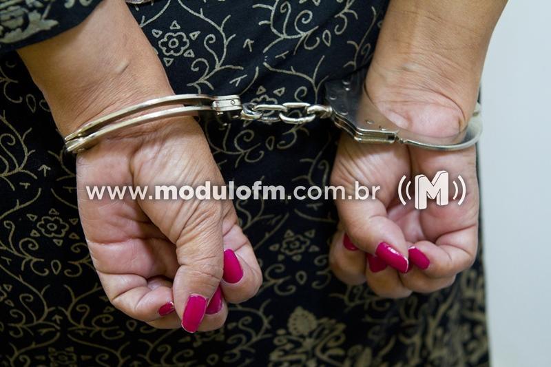 Mulher procurada da Justiça é presa em Monte Carmelo