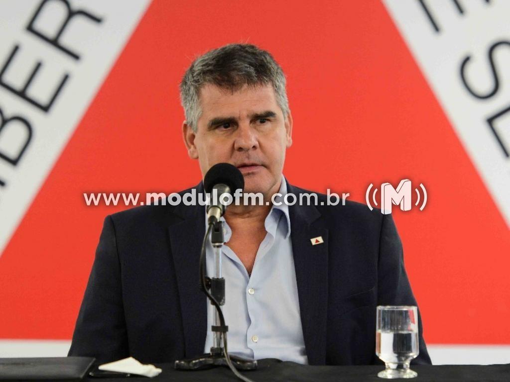 Vice-governador de Minas Gerais Paulo Brant (PDT), juntamente com...