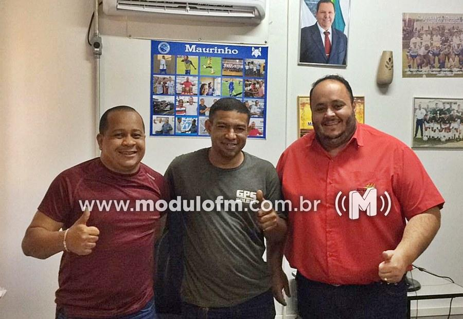 Reunião na Secretaria de Esportes definiu reforma de Estádio do Bairro Carajás
