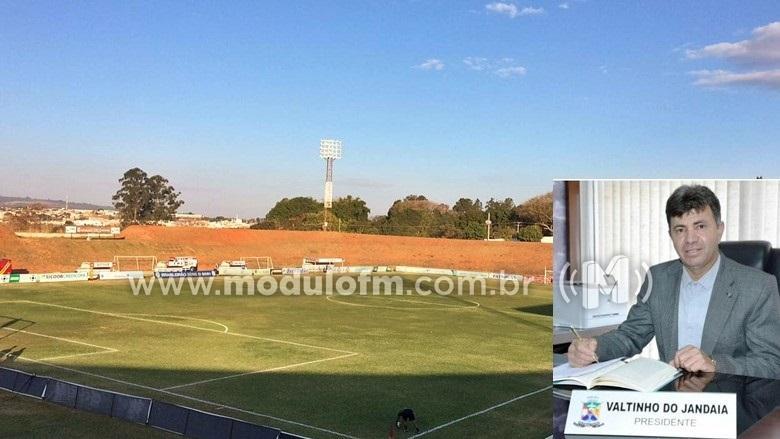Vereador faz indicação solicitando troca de gramado do Estádio Pedro Alves do Nascimento