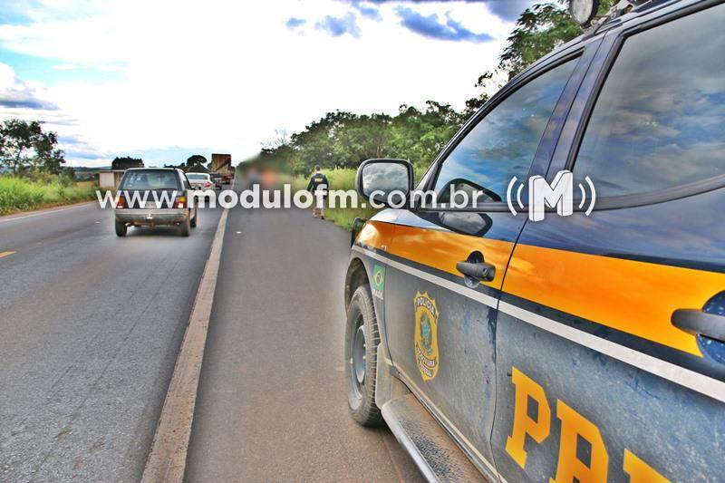 Veículo furtado em Uberlândia é encontrado abandonado em Patrocínio